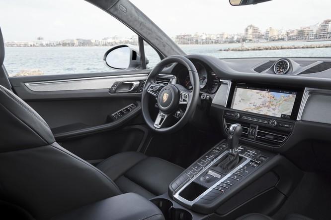 """""""Soi"""" loạt trang bị nổi bật trên Porsche Macan S sắp được bán tại Việt Nam ảnh 4"""