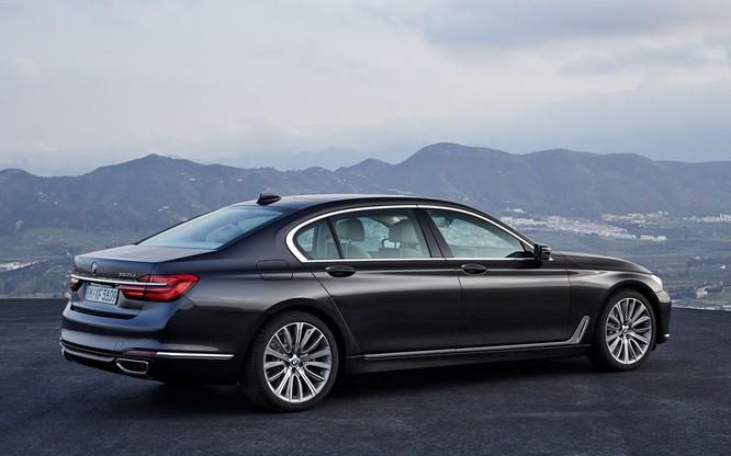 BMW 7-Series 2020 phiên bản nâng cấp bất ngờ lộ diện trước ngày ra mắt ảnh 4