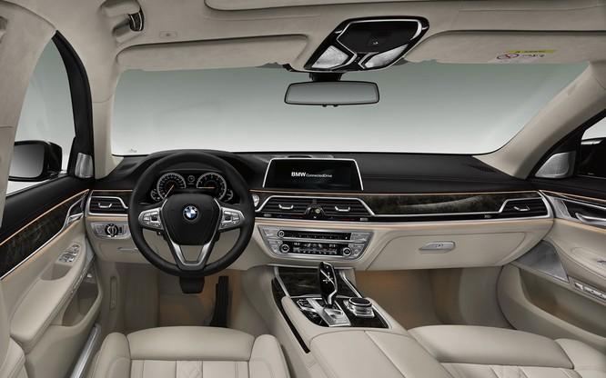 BMW 7-Series 2020 phiên bản nâng cấp bất ngờ lộ diện trước ngày ra mắt ảnh 8