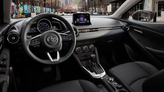 Toyota Yaris hatchback 2020 sắp trình làng, nhiều khả năng dựa trên nền tảng của Mazda 2 ảnh 2