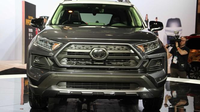 """Toyota RAV4 2020 bỗng """"ngầu hơn"""" nhờ gói độ TRD Offroad ảnh 4"""