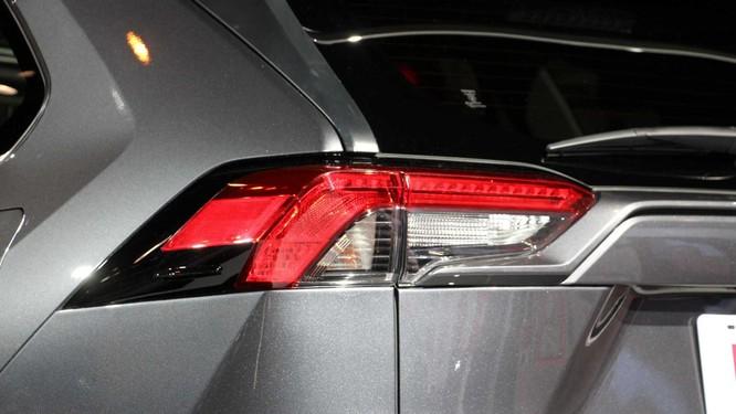 """Toyota RAV4 2020 bỗng """"ngầu hơn"""" nhờ gói độ TRD Offroad ảnh 6"""