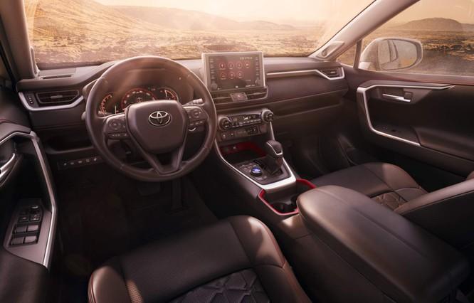 """Toyota RAV4 2020 bỗng """"ngầu hơn"""" nhờ gói độ TRD Offroad ảnh 9"""