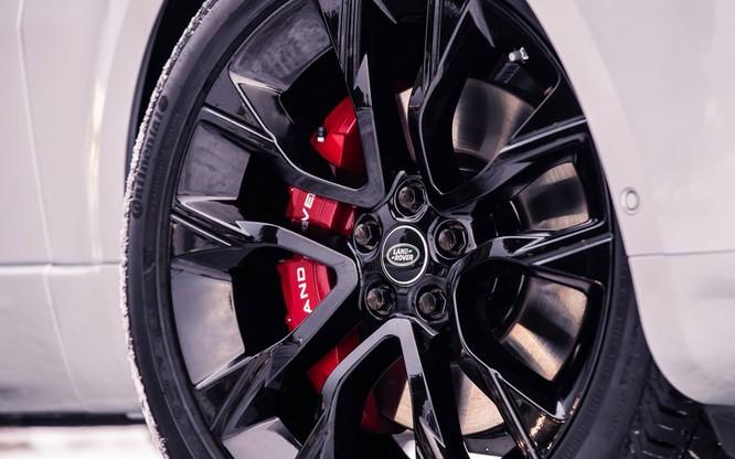 Range Rover Sport HST bổ sung động cơ mới, mạnh mẽ hơn nhưng không bán tại Việt Nam ảnh 4