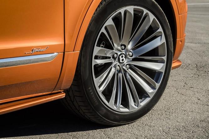 """Chưa thỏa mãn với danh hiệu, Bentley tiếp tục """"bơm"""" thêm sức mạnh cho Bentayga ảnh 5"""