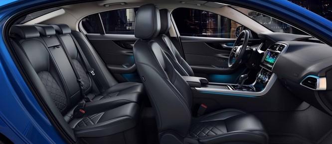 Jaguar XE mới và cũ: Hãy xem những khác biệt! ảnh 10