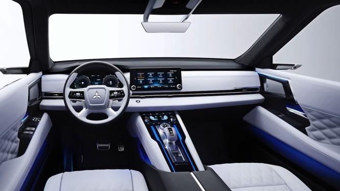Mitsubishi Engelberg Tourer concept: Chiếc PHEV có khả năng Offroad ảnh 4