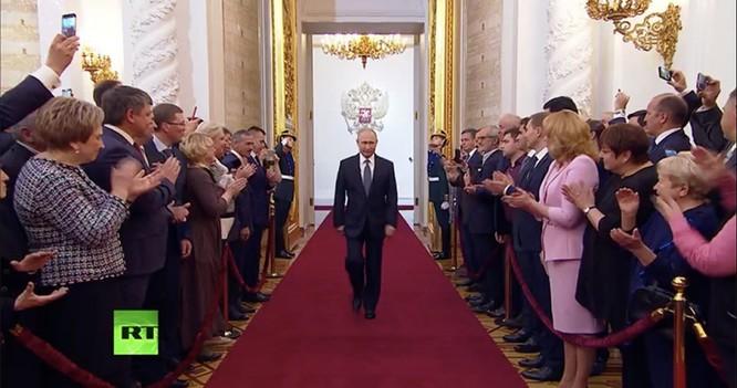 Phần 2: Khi người Nga trông chờ giá dầu tăng thì phương Tây đã dấy lên làn sóng công nghệ tiếp theo ảnh 4