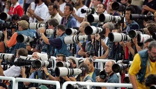 """Nghệ sĩ nhiếp ảnh Vũ Huyến: """"Xã hội càng hiện đại thì nhiếp ảnh càng lên ngôi"""" ảnh 1"""