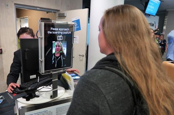 Nhận dạng khuôn mặt để lên máy bay ở Mỹ - ảnh 1