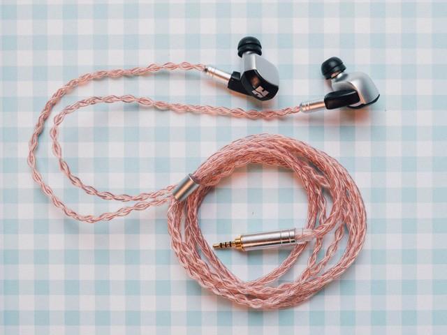 Tại sao vẫn nhiều người chuộng tai nghe có dây hơn tai nghe Bluetooth? ảnh 1