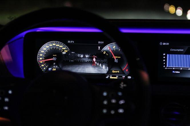Tài xế cần sử dụng đèn ra sao khi lái xe vào ban đêm? - ảnh 2