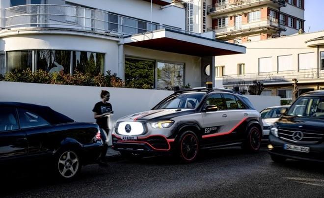 Xe hơi trong tương lai sẽ có… robot bảo vệ ảnh 11