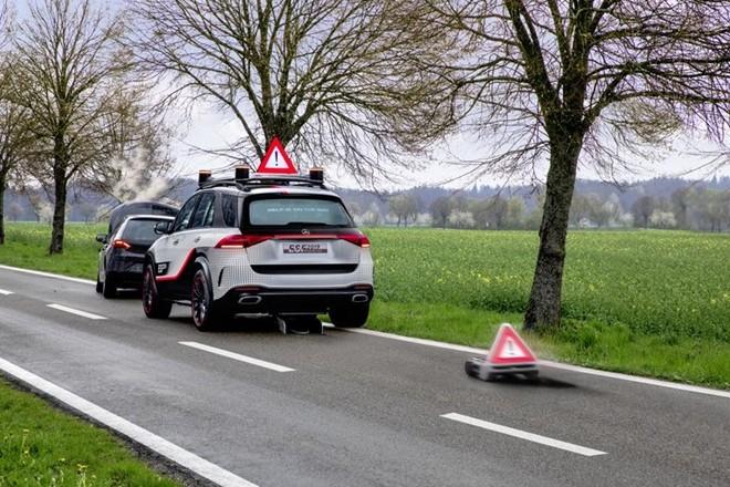 Xe hơi trong tương lai sẽ có… robot bảo vệ ảnh 7