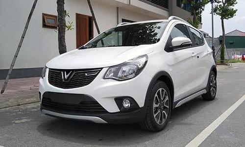 Fadil thực tế là mẫu xe vừa lạ vừa quen. Lạ bởi lần đầu tiên Fadil xuất hiện và được sản xuất bởi hãng xe Việt. Quen vì Fadil phát triển từ Opel Karls, vốn chung nền tảng với Chevrolet Spark.