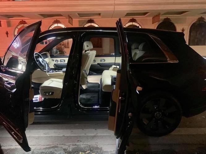 1 tháng 3 siêu xe Rolls-Royce Cullinan giá 45 tỷ về Hà Nội ảnh 2