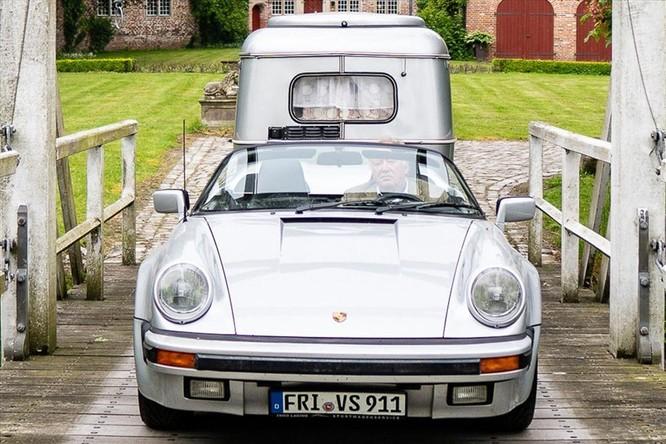 """Chuyện lạ: Độ xế Porsche cổ 30 năm tuổi để gắn thêm """"nhà mini"""" đằng sau ảnh 2"""