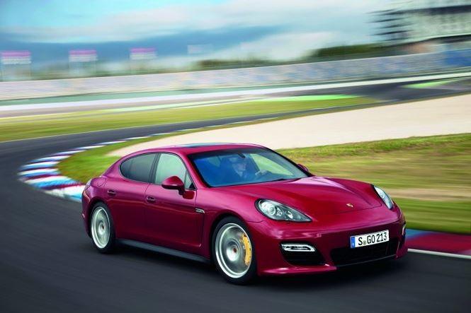 Porsche triệu hồi gần 100.000 chiếc Cayenne và Panamera ảnh 1