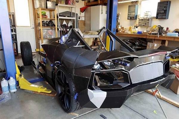 Hai cha con nhà vật lý chế tạo siêu xe bằng… máy in 3D ảnh 1