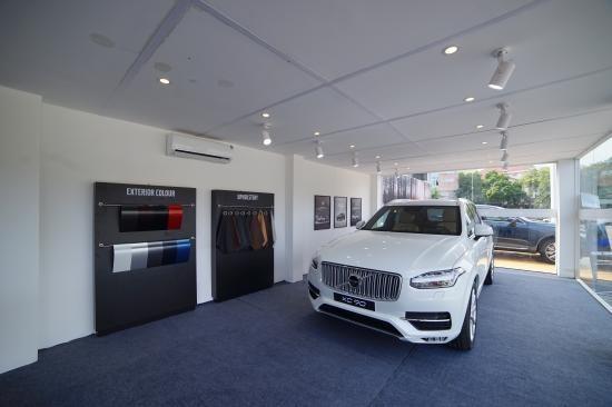Volvo mang showroom di động tới Lào Cai và Vinh ảnh 1
