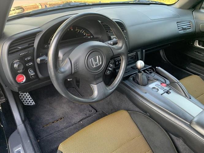 """Xe """"cổ"""" Honda S2000 bản giới hạn được rao bán với giá ít người biết ảnh 2"""