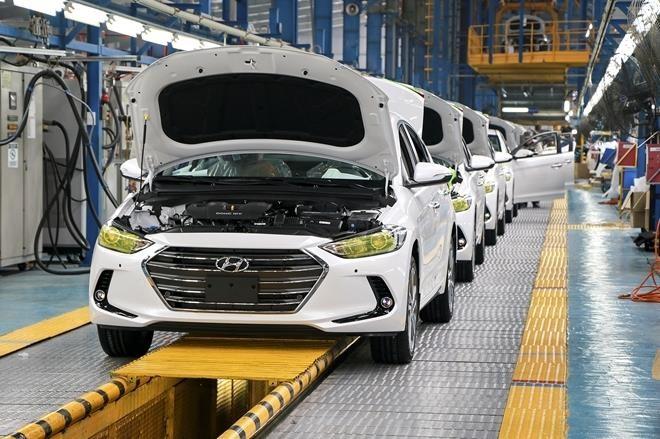 Ưu đãi lớn, ô tô Việt vẫn chật vật giảm giá thành ảnh 1