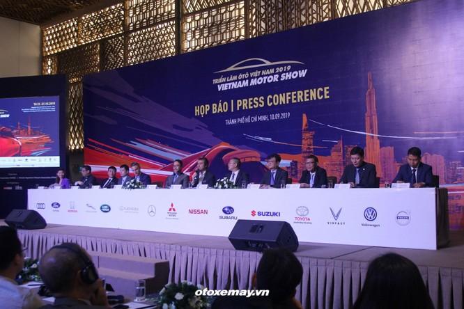 VinFast bất ngờ tham dự Triển lãm Ô tô Việt Nam 2019 ảnh 1