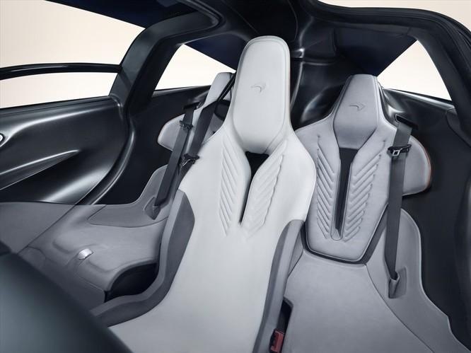 """Xe 3 chỗ ngồi, công suất hơn 1.000 mã lực tiếp tục được đội giá """"khủng"""" ảnh 2"""