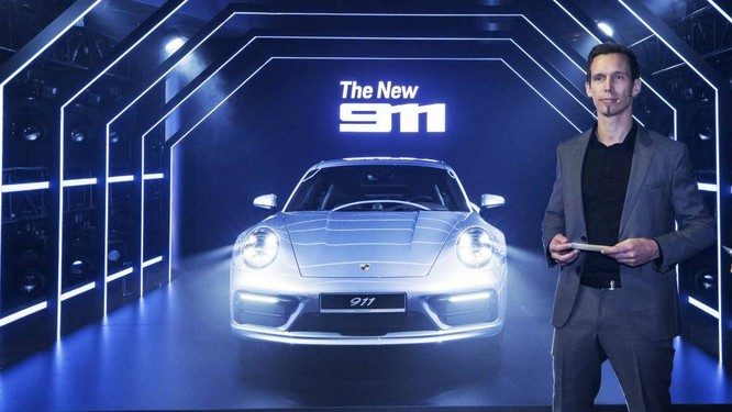 Cỗ máy kinh điển Porsche 911 giá từ 7,65 tỷ đồng ra mắt tại Việt Nam ảnh 1