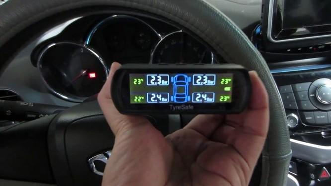 Những phụ kiện hữu ích giúp tài xế mới lái xe an toàn ảnh 3