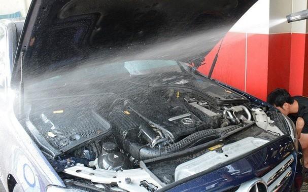 Những sai lầm tai hại khi tự rửa ôtô tại nhà ảnh 3