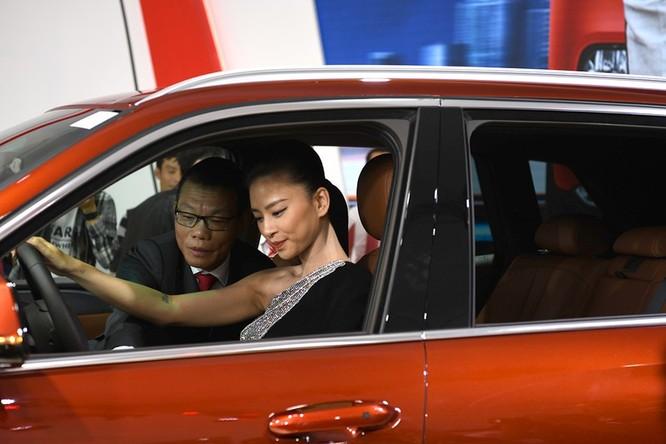 """""""Đả nữ"""" Ngô Thanh Vân sẽ đưa xe VinFast vào phim của mình ảnh 2"""