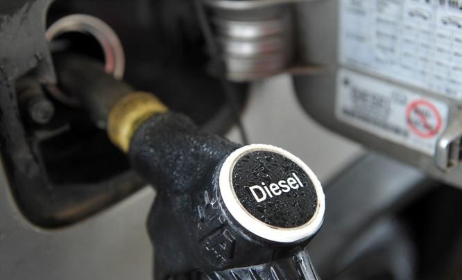 Nên chọn mua ô tô máy xăng hay máy dầu? ảnh 2