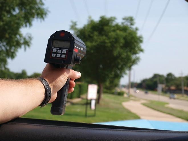 Lạ lùng đất nước mà tài xế vi phạm tốc độ có thể chọn không trả tiền phạt ảnh 1