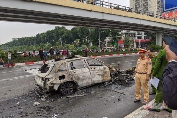 Mercedes GLC cháy rực làm 1 người chết ảnh 3