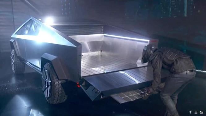 """Xe bán tải """"siêu bền"""" của tỷ phú Elon Musk bị dân mạng chế ảnh châm biếm ảnh 9"""