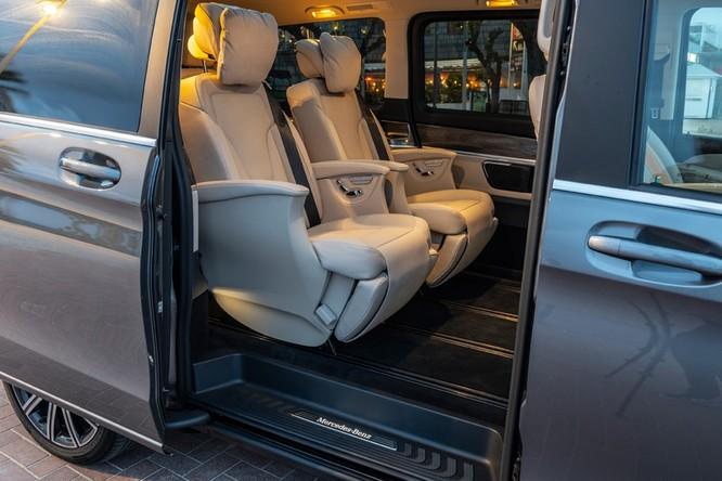 """""""Soi"""" MPV hạng sang Mercedes-Benz V-Class 2020 giá 2,57 tỷ đồng ảnh 3"""