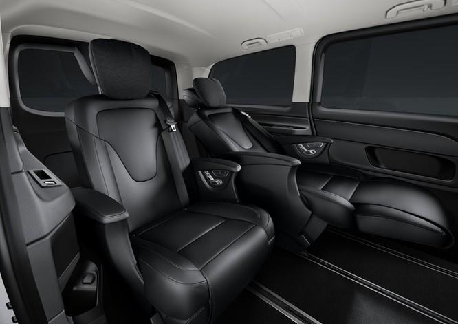 """""""Soi"""" MPV hạng sang Mercedes-Benz V-Class 2020 giá 2,57 tỷ đồng ảnh 7"""