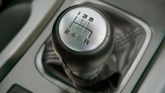 Số sàn và số tự động, loại xe nào tốn xăng hơn? ảnh 3