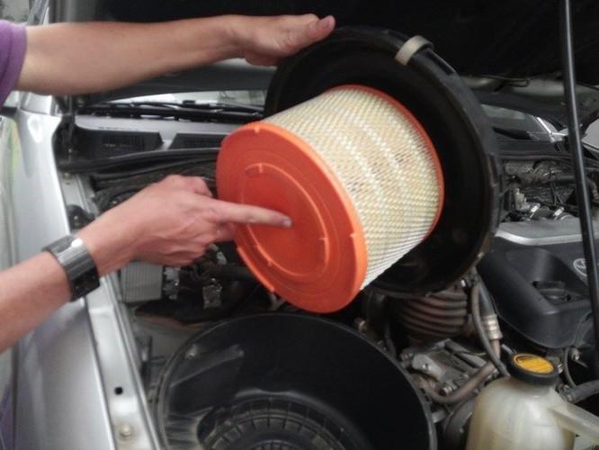 7 thói quen tai hại khiến ôtô tiêu hao nhiên liệu bất thường ảnh 2