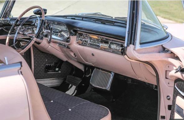 Chiêm ngưỡng chiếc Cadillac cổ màu hồng của huyền thoại Elvis Presley ảnh 3