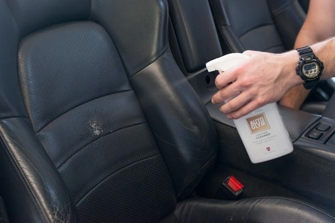 Nguyên nhân điều hòa ôtô có mùi hôi và cách khắc phục ảnh 1