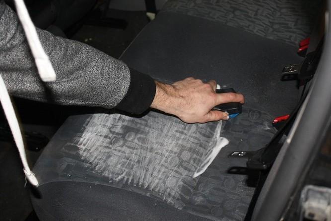 Nguyên nhân điều hòa ôtô có mùi hôi và cách khắc phục ảnh 2