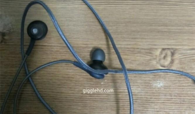 Lộ ảnh tai nghe AKG là phụ kiện đi kèm Galaxy S8 ảnh 2