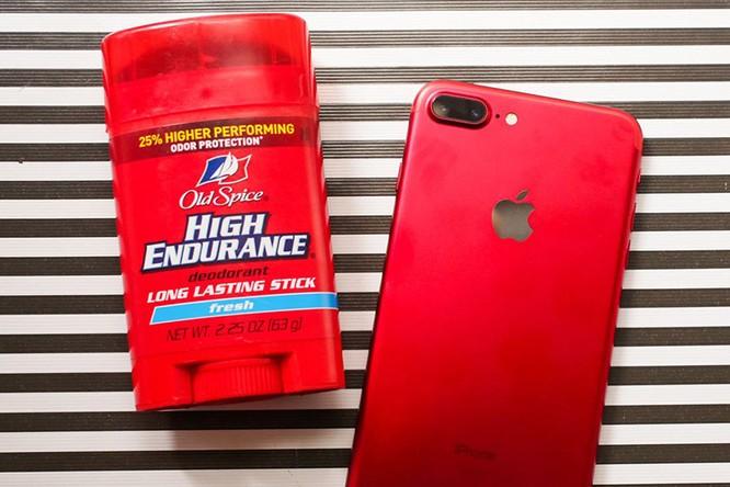 Chùm ảnh: Mở hộp và so sánh màu đỏ iPhone 7 ảnh 13