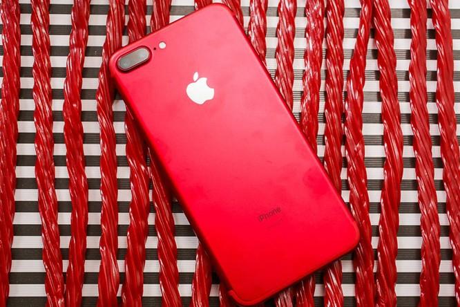 Chùm ảnh: Mở hộp và so sánh màu đỏ iPhone 7 ảnh 1