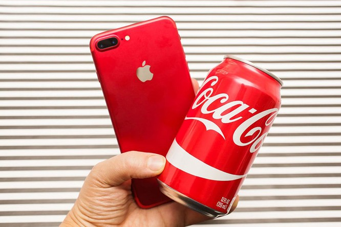 Chùm ảnh: Mở hộp và so sánh màu đỏ iPhone 7 ảnh 5
