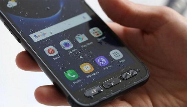 5 mẫu smartphone kháng nước ấn tượng nhất 2017 ảnh 4