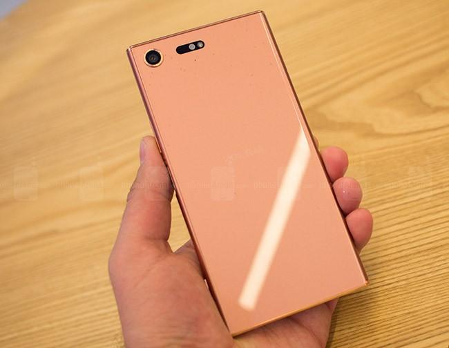Chiêm ngưỡng Sony Xperia XZ Premium màu hồng vàng ảnh 3