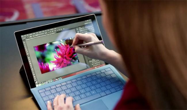 Vì sao doanh thu Surface giảm 26% nhưng Microsoft không lo lắng? ảnh 1